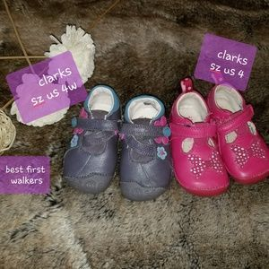 2 pairs of Clarks first walkers shoes US sz 4